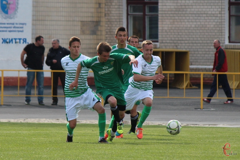 У першості аматорів Поділля двічі грало з Нивою-В. Раз зіграли внічию, інший - програли. Тепер поступилися в Кубку України.