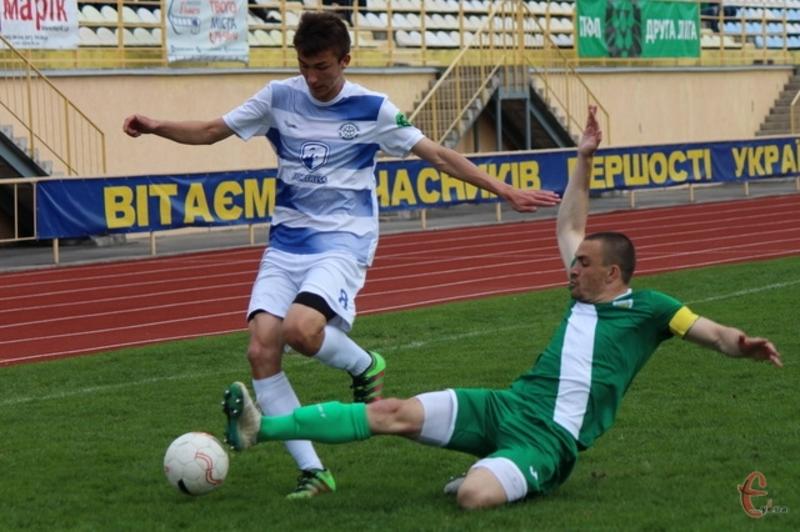 Через погодні умови товариський матч хмельницького Поділля проти вінницької Ниви скасували