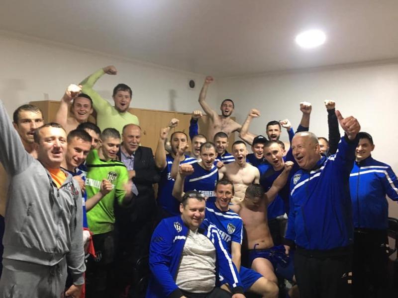 Дунаєвецький Епіцентр у роздягальні після матчу з красилівським Случем