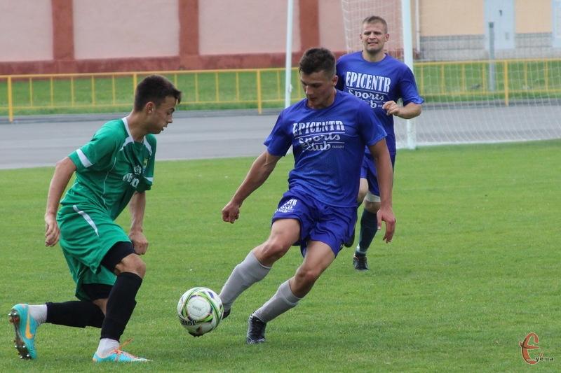 Команді з Городка вдалося здоубти нічию, поступаючись красилівському Случу з рахунком 2:2