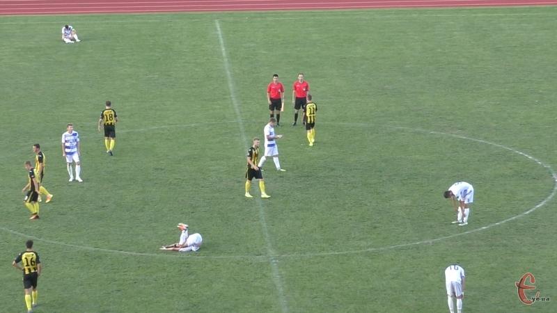 Фінальний свисток засмутив футболістів обох команд. І Поділля і Буковина хотіли перемогти