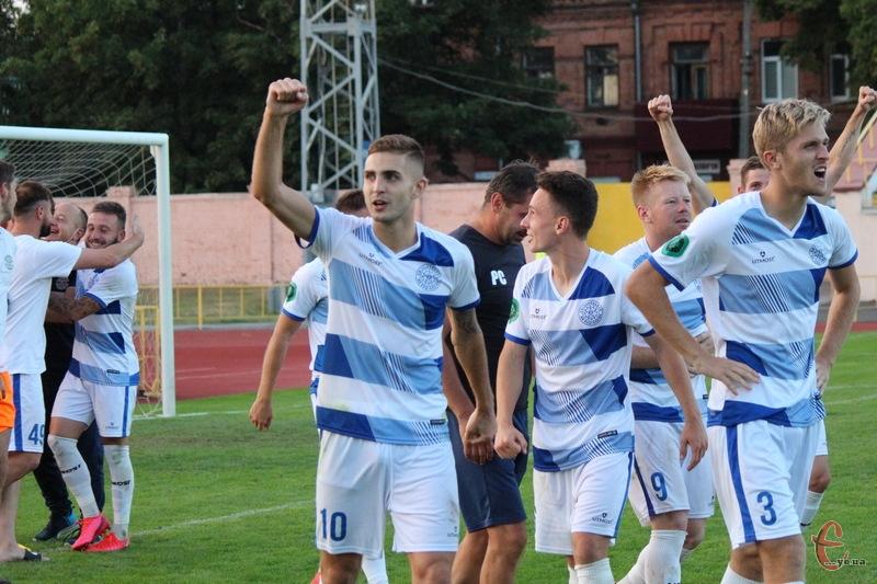 Хмельницьке Поділля перемогло Прикарпаття в серії пенальті та пройшло далі в Кубку України