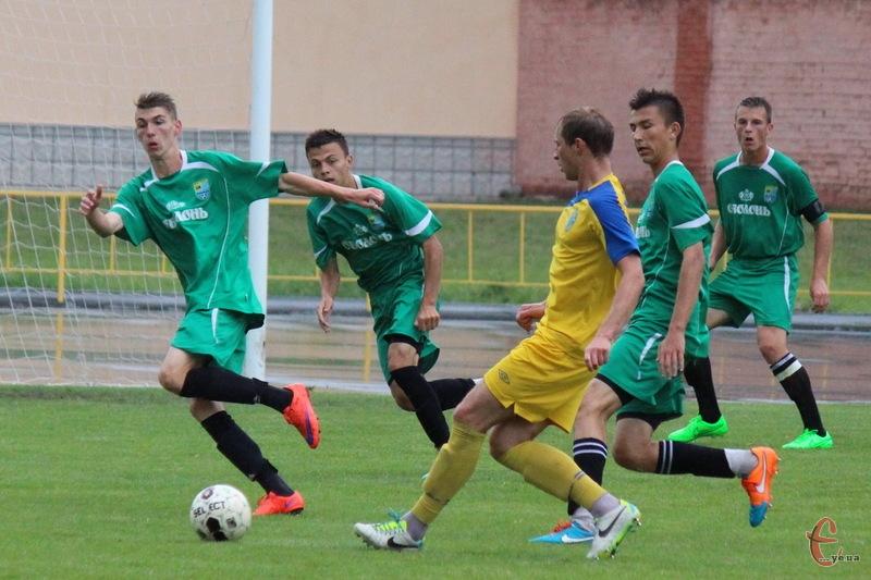 Хмельницьке Поділля зіграло два матчі з ФК Тернопіль, в яких двічі поступилося