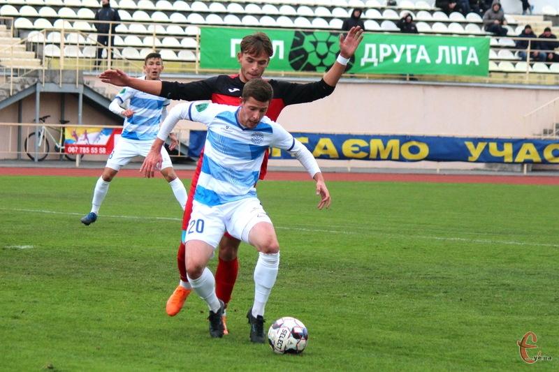 Артем Панасенков заробив пенальті в матчі проти Колоса, який реалізував Андрій Ліповуз