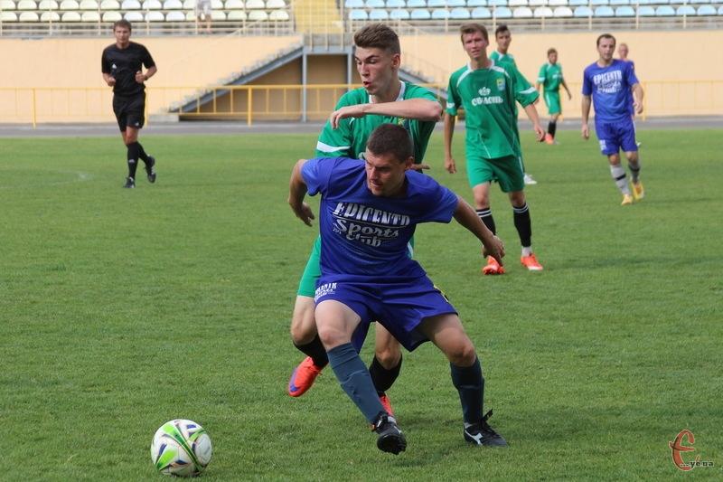 Боротьбу в найвищому дивізіоні чемпіоната Хмельницької області з футболу продовжать 10 клубів