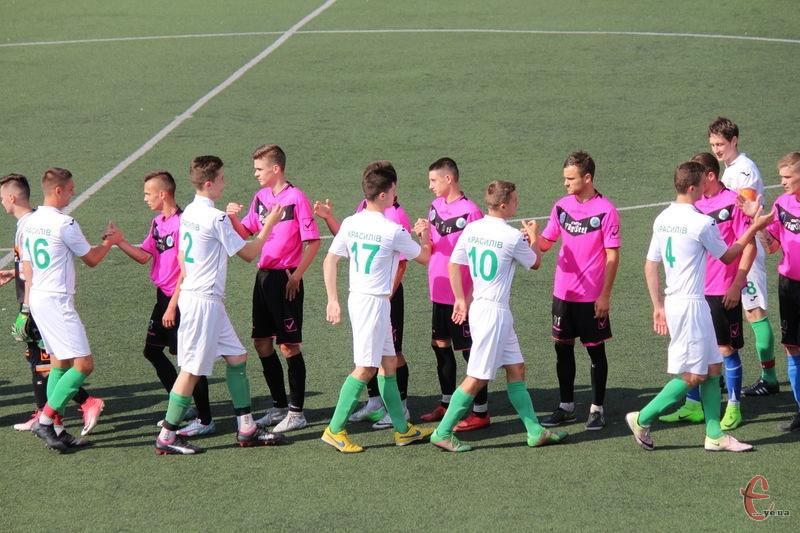 В обласній Прем'єр-лізі командам залишилося зіграти по 5 матчів