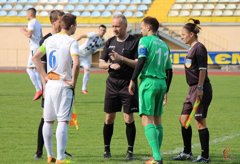Команди, які в першій лізі посядуть 1 та 2 місця, наступного сезону повинні грати в Прем'єр-лізі Хмельницької області