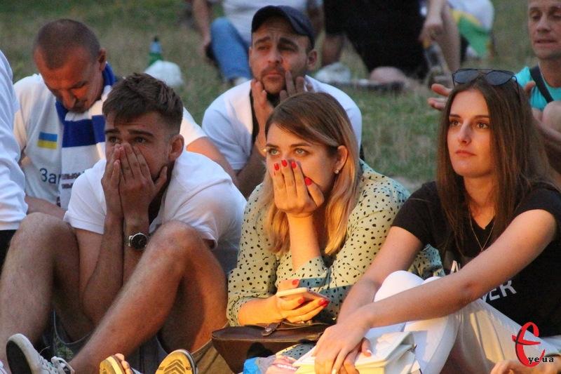 Поділля в Луцьку прогало Волині, але мало підтримку в Хмельницькому, де в Молодіжному парку вболівальники зібралися підтримати команду під час трансляції просто неба