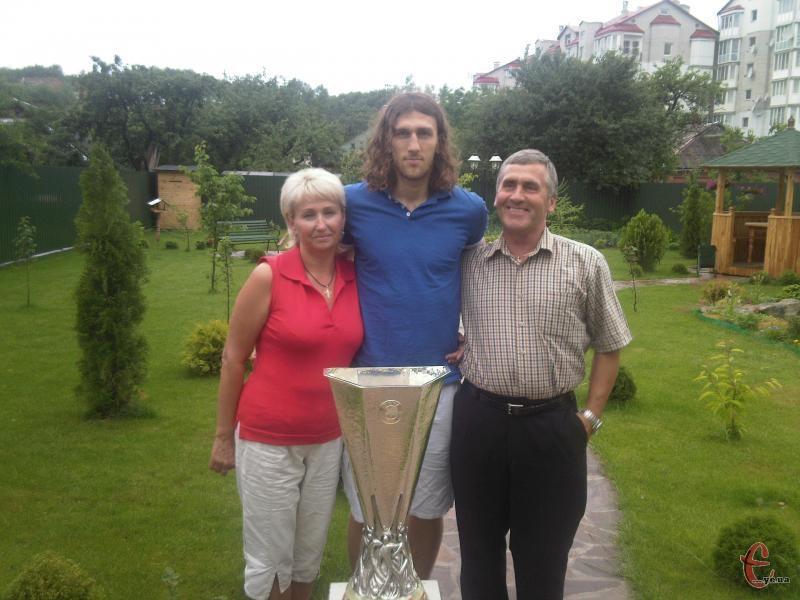 Дмитро Чигринський, батьки якого живуть в Хмельницькому, до кінця року гратиме за дніпропетровський Дніпро