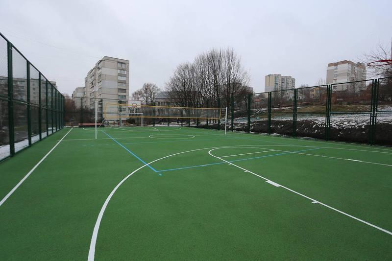 У 2018 році для сім хмельницьких шкіл отримали сучасні спортивні майданчики