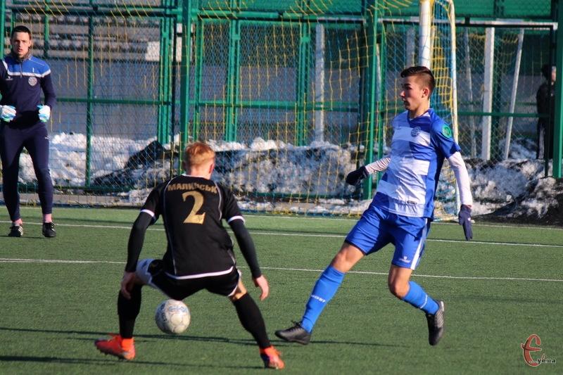 У Хмельницькому триває Кубок міського голови з футболу, участь в якому беруть вісім команд. 10 лютого зіграло й \