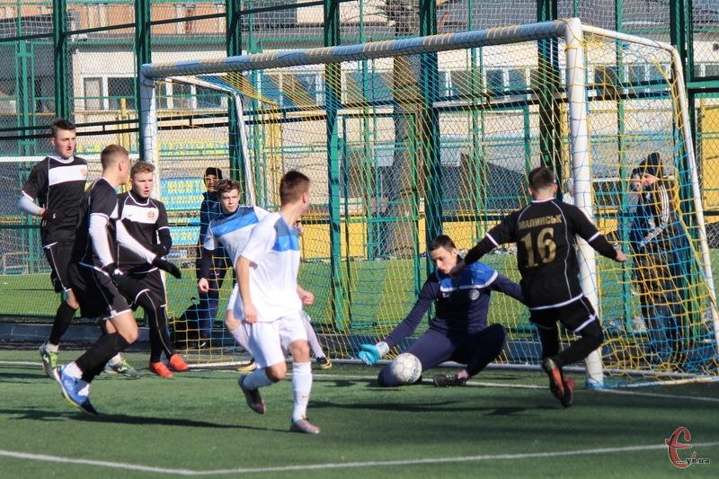 У двох матчах на Кубку міського голови Хмельницького, які відбулися 17 лютого, команди забили шість голів