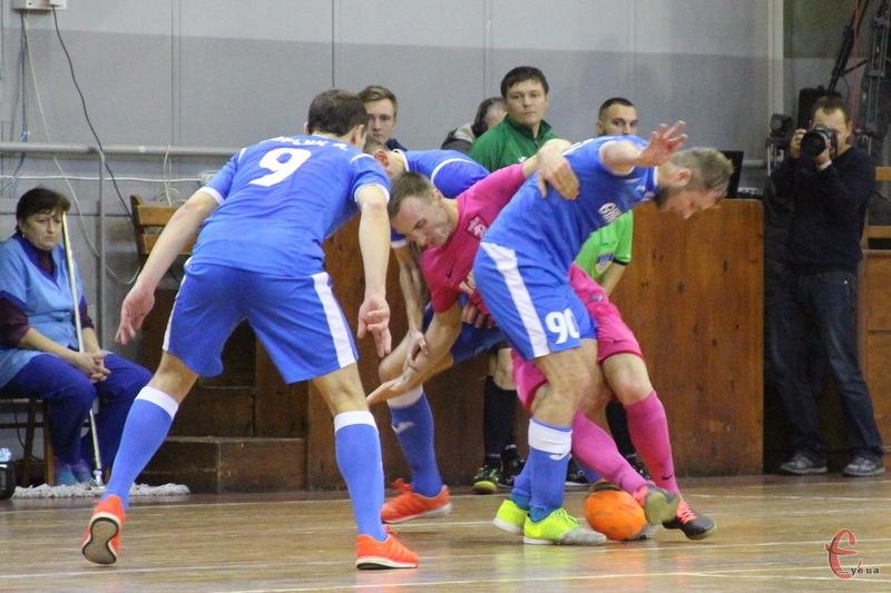 Соколу в Києві було не просто. Але хмельничани змогли зіграти в нічию та залишаються єдиною командою, яка ще не програвала