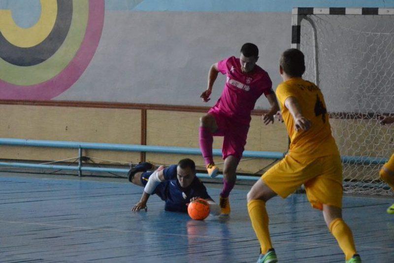 Гравці Сокола забили тричі в ворота екс-голкіпера хмельничан Богдана Тимощука. Але цього не вистачило для перемоги