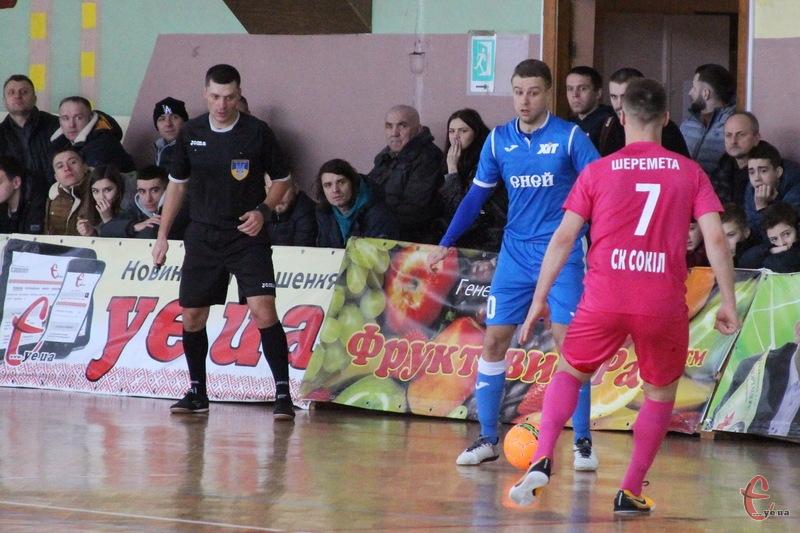 Київський ХІТ у Хмельницькому переміг Сокіл та очолив турнірну таблицю Екстра-ліги