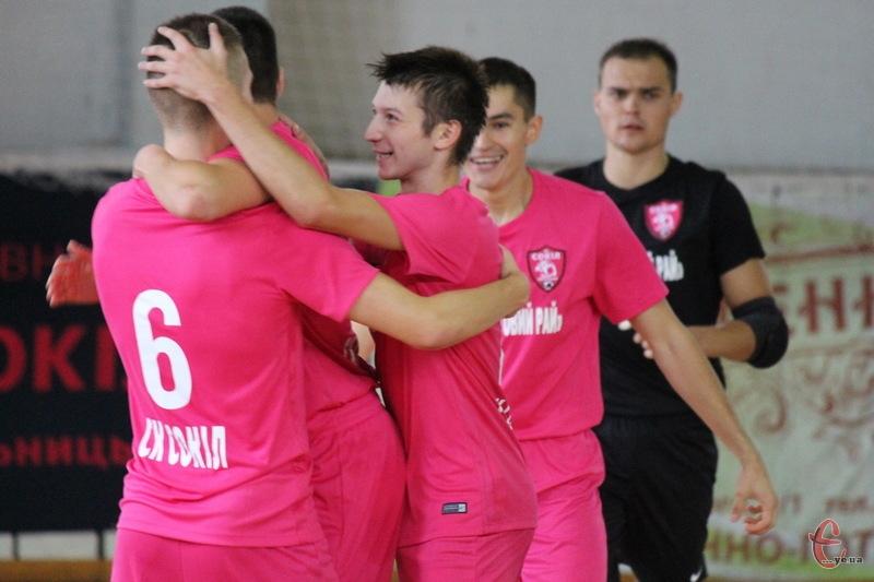 Хмельницький Сокіл святкує свою першу перемогу в новому чемпіонаті України в Екстра-лізі