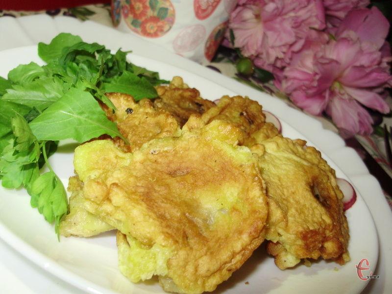 Подавати з великою кількістю зелені, свіжими овочами, соєвим соусом чи бальзаміком.