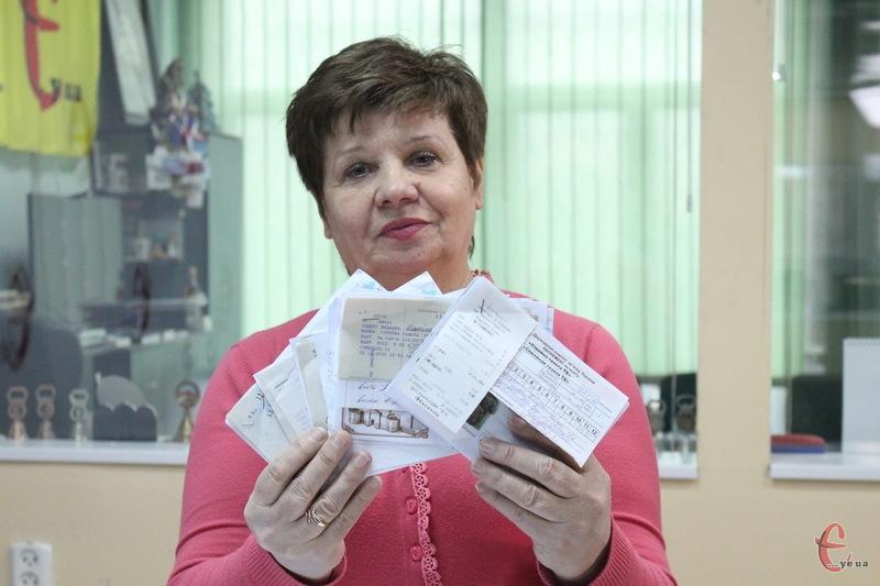 За допомогою жеребу були визначені щасливчики, які отримають від Сімейної газети цінні подарунки