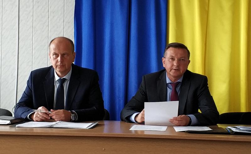 Анатолій Марценюк (на фото - ліворуч) тепер не керує, курує роботу аудиторів