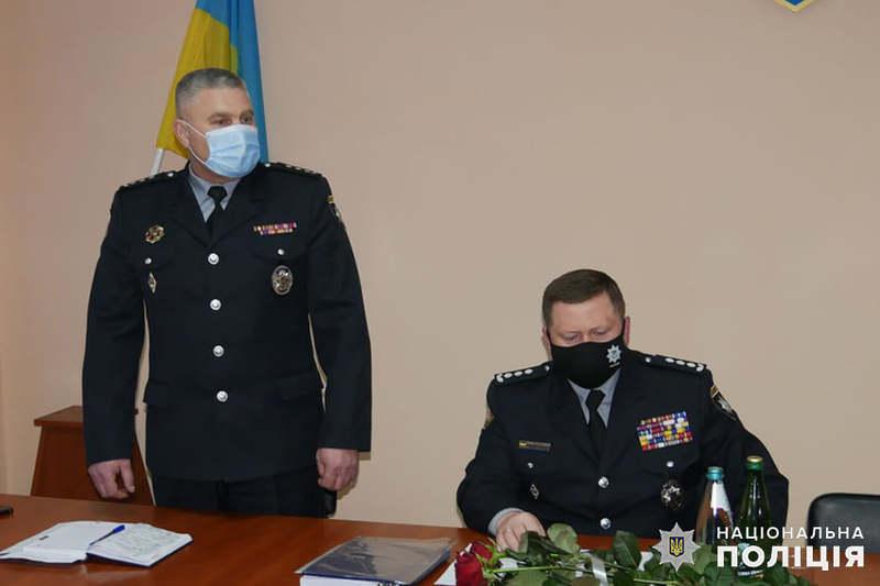 Анатолій Чубенко (на фото зліва) очолив Шепетівське районне управління поліції