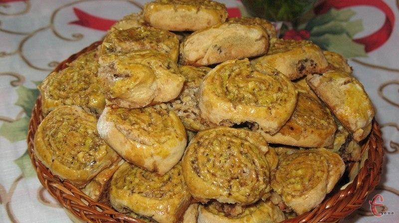 До банальності простий у приготуванні, недорогий, проте нереально смачний мега-горіховий смаколик!