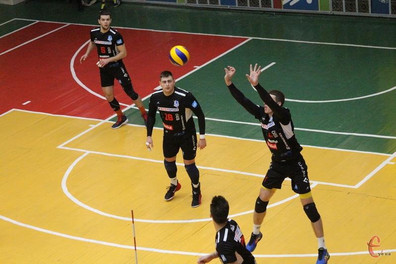 Можливо, що Епіцентр-Подоляни 19-21 червня оформить чемпіонство у першій лізі чемпіонату України з волейболу