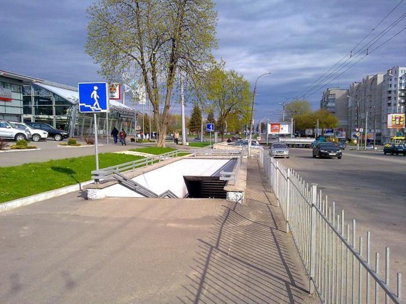 Хмельничани нстав жертвою грабіжника в підземному переході на проспекті Миру