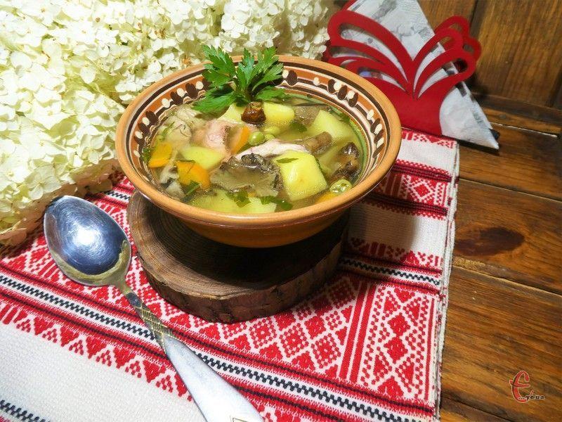 Перша страва за цим рецептом виходить по літньому легкою, ароматною та дуже смачною.