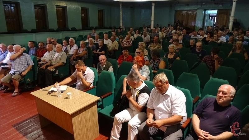 Хмельничани висловили свою думку щодо підняття тарифів на проїзд