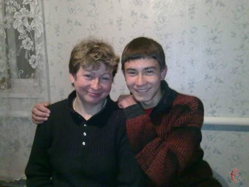 Діма загинув унаслідок вогнепального поранення під час стрілянини під Хмельницьким управлінням СБУ 19 лютого 2014 року.