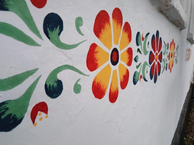 У подільському росписі переважають рослинні орнаменти