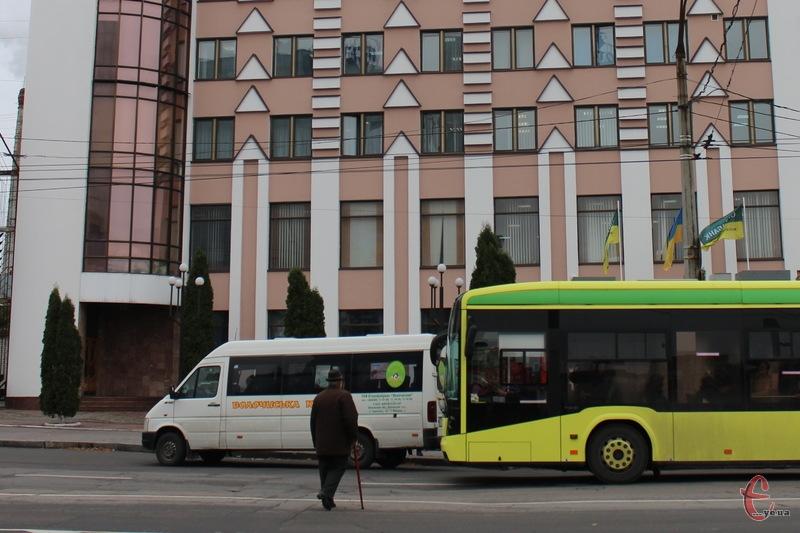 Цілком ймовірно, що проїзд у громадському транспорті Хмельницького підвищать з 1 березня