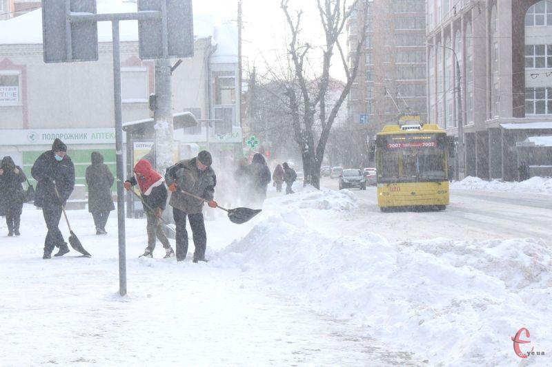 13-15 лютого очікуються складні погодні умови