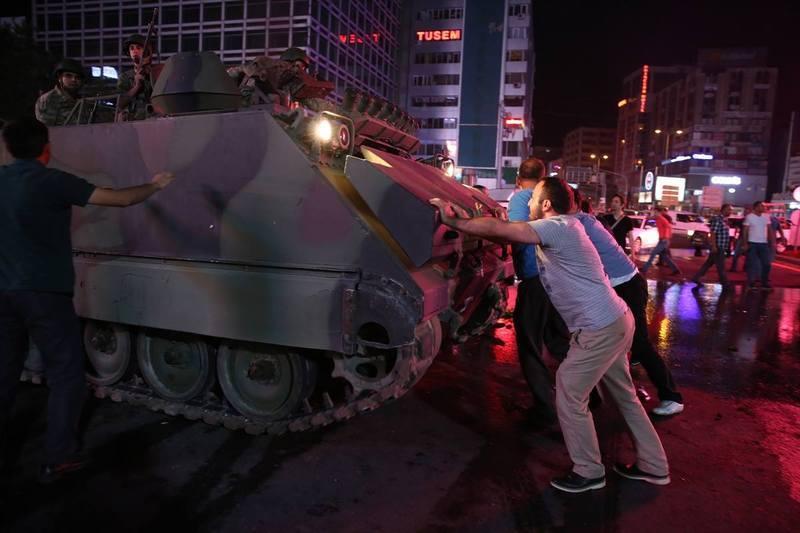 МЗС України просить українців поки утриматися від поїздок до Туреччини