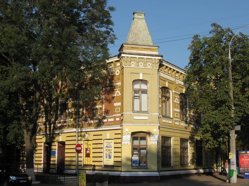 У Хмельницькому художньому музеї влаштують безкоштовні екскурсії до Дня Незалежності