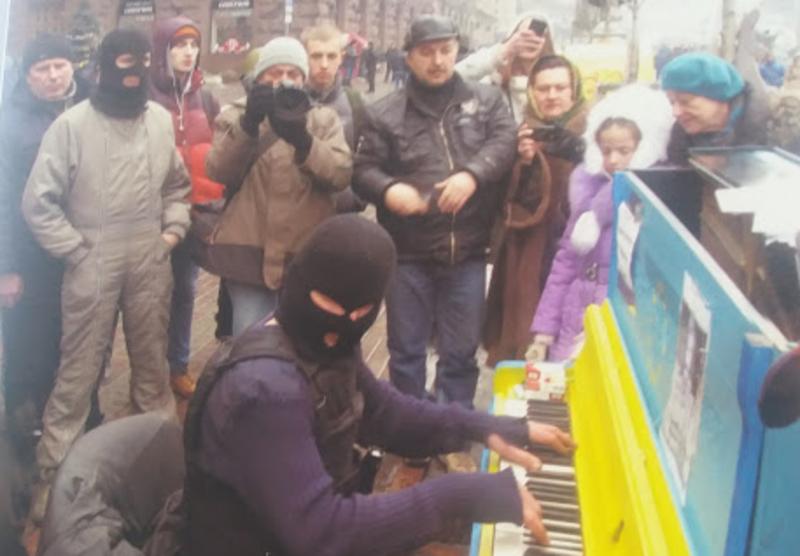 Олександр Сліпченко фіксував на світлинах та фільмував Євромайдан від перших днів до серпня 2014-го