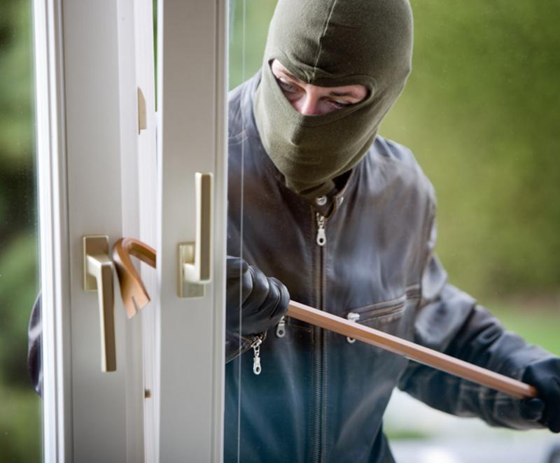 Найстаршому підозрюваному в крадіжці з будинку лише 23 роки, наймолодшому - 16