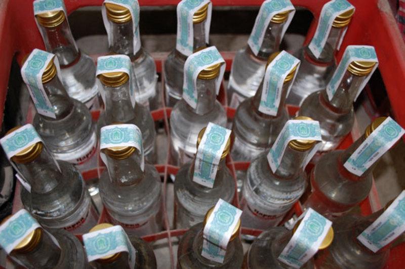 Алкогольні напої виготовляли під виглядом горілки брендових марок