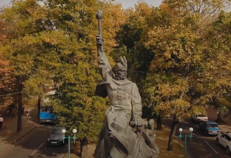 Про видатного гетьмана, на чию честь названо місто Хмельницький, розповіли в навчально-пізнавальній серії «Українська національна революція XVII століття»