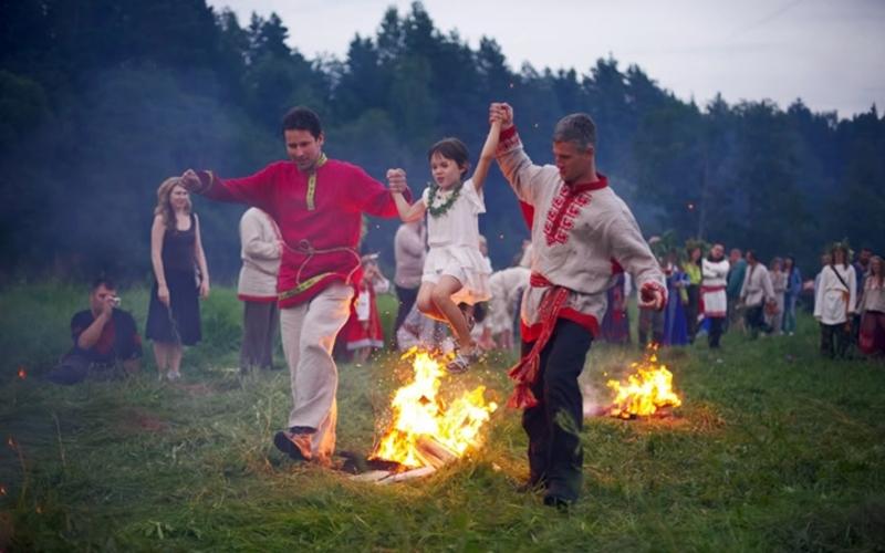 Хмельничан запрошують поринути у купальські традиції