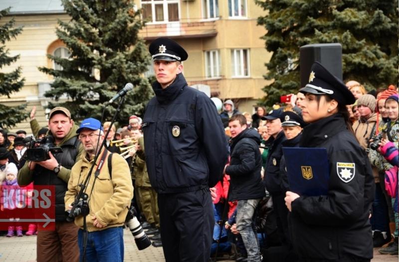 А за зростом Дмитро Міхалець є найвищим полісменом України: його зріст – 2,20 м.