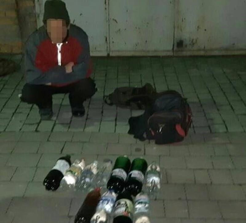 Пляшки із алкоголем вилучили
