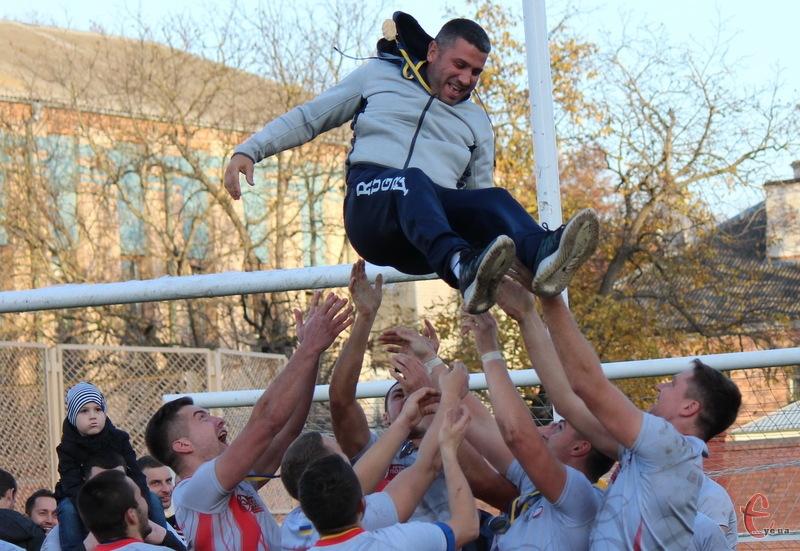 Під керівництвом Олександра Мігунова хмельницькі регбісти торік стали срібними призерами чемпіонатів України з регбі-7 та регбі-15