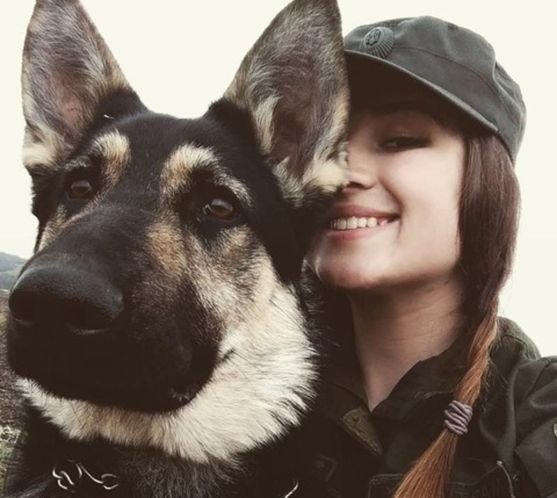 Хмельничанка зі своєю собакою Беллою