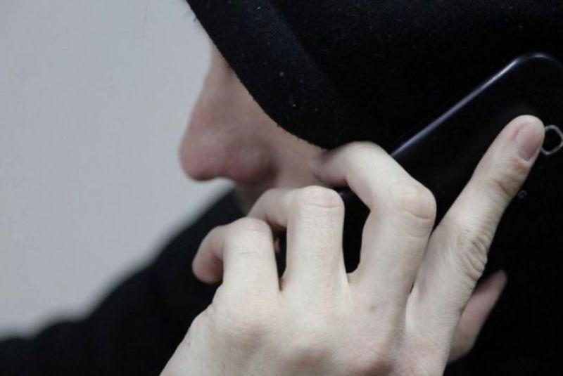 Поліцейські вкотре застерігають: не довіряйте незнайомцям по телефону