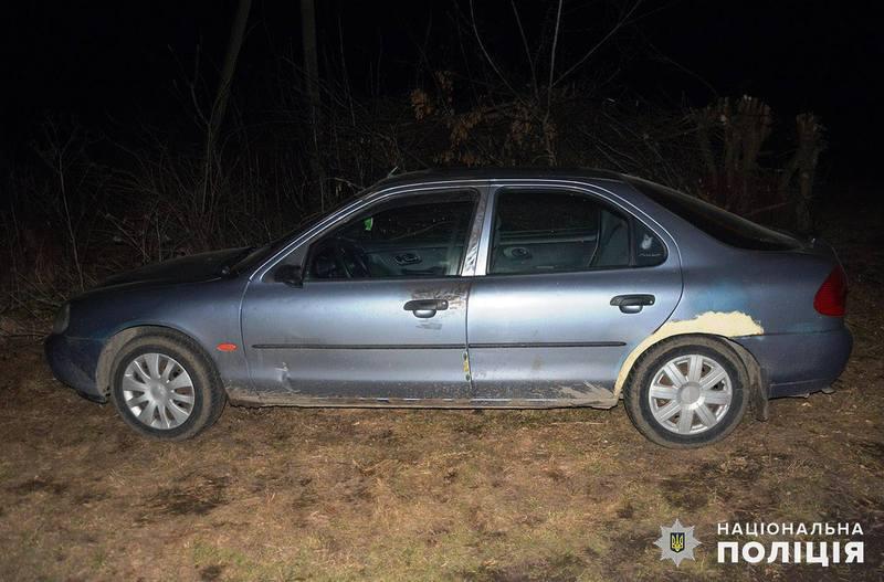 Хмельничанка залишила автівку в селі Гелетинці і зникла з місця події
