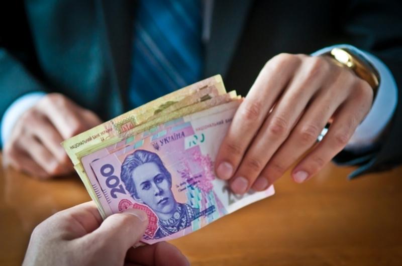 Мешканцям області боргують зарплату