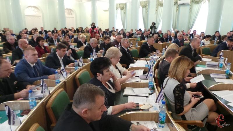 Депутати визначились з головами постійних комісій