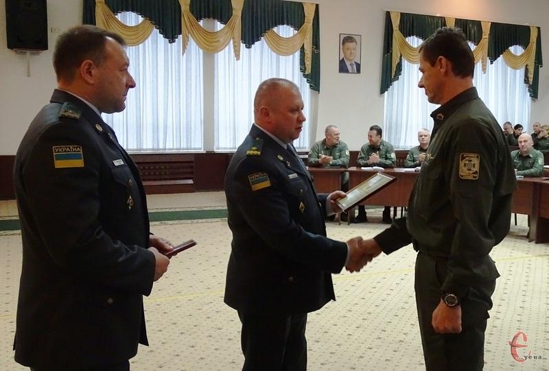 В прикордонній академії вручили відзнаки військовим