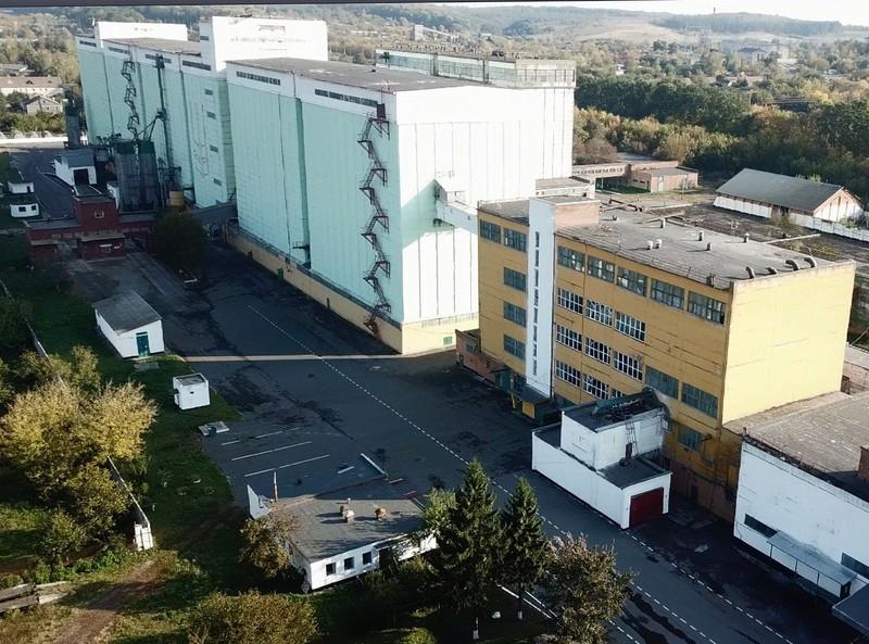 Загальна площа комплексу зерносховища становить понад 50 тисяч квадратних метрів